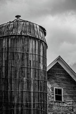 Photograph - Ely Vermont Old Wooden Silo And Barn Black And White by Edward Fielding