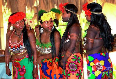 Photograph - Embera Women by John Rizzuto
