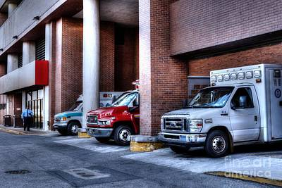 Street Er Photograph - Emergency Room Trauma Bay by Mark Ayzenberg