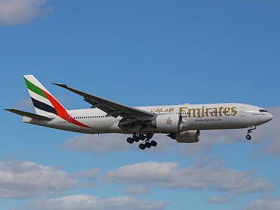 Photograph - Emirates Air 777 by Dart and Suze Humeston