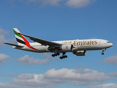 Photograph - Emirates Air 777 by Dart Humeston