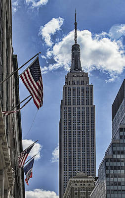 Photograph - Empire State Building by Bob Slitzan