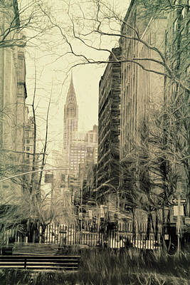 Park Scene Digital Art - Empire State Building South Sketch by Sue Schwer