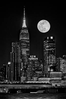 Photograph - Empire State Esb Super Moon Nyc Bw by Susan Candelario