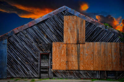 Photograph - Empty Barn by Harry Spitz