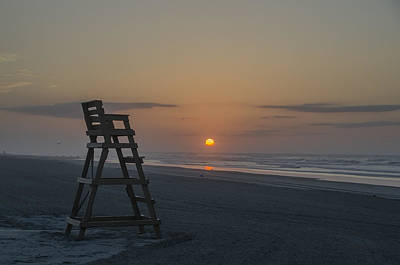 Empty Lifeguard Chair At Sunrise Art Print by Bill Cannon