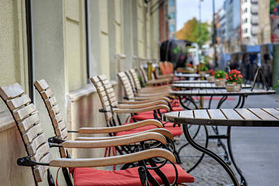 Photograph - Empty Tables by Michael Niessen