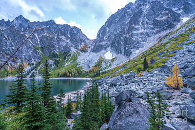 Photograph - Enchantments Heading To Aasgard Pass by Mike Reid