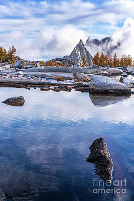 Nature Photograph - Enchantments Prusik Peak Granite And Blue Skies by Mike Reid
