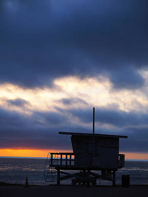 Photograph - End Of Day On The Pacific. The Sun Sets On The Royal Palms Lifeguard Shack.  by Joe Schofield
