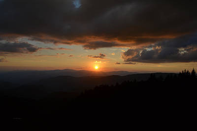Photograph - End Of The Day Great Smoky Mountain Sunset by rd Erickson