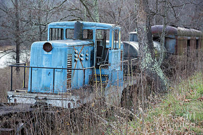 Photograph - End Of The Line by Jim West