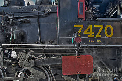 Photograph - Engine 7470 by Alana Ranney