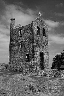 Bodmin Photograph - Engine House by Carl Whitfield