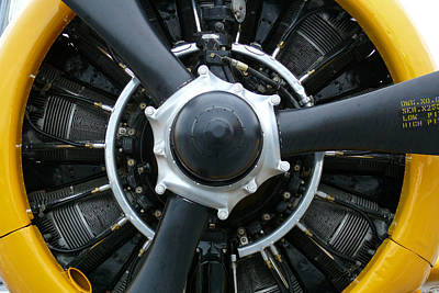 Dmx Photograph - Engine by Kendall Muyres