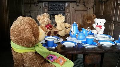 England - Picnic With The Teddy Bears Art Print