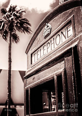 Photograph - English Red Tele Booth by Rene Triay Photography