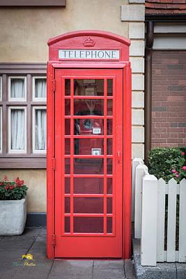 English Telephone Booth Art Print