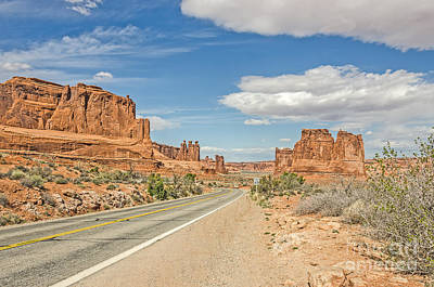 Photograph - Entrada Sandstone Formations by Sue Smith