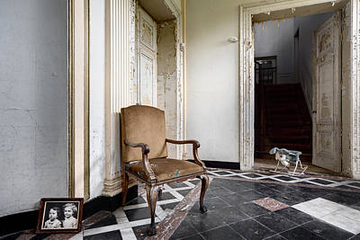 Abandoned Houses Photograph - Entrance Hall With Old Memories - Abandoned Building by Dirk Ercken