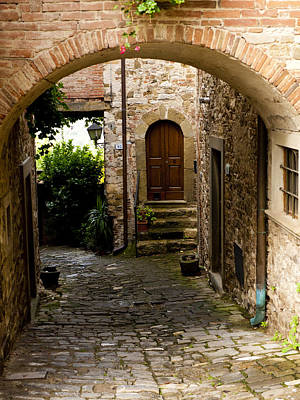 Greve In Chianti Photograph - Entrance by Rae Tucker
