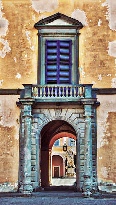 Photograph - Entrance To Plazzo In Pizza Italy by Gary Slawsky