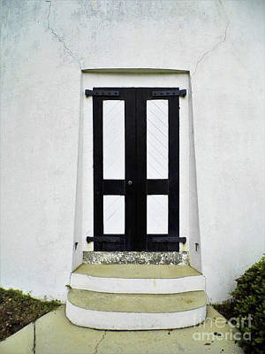 Photograph - Entrance To The Lighthouse by D Hackett