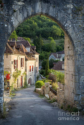 Entry Gate To Saint-cirq-lapopie Art Print by Brian Jannsen