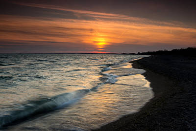 Lake Erie Photograph - Erieau Sunset by Cale Best