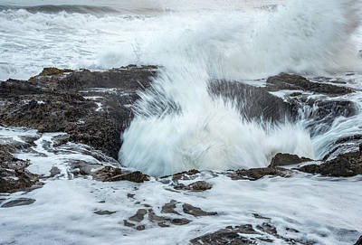Photograph - Eruption At Thor's Well by Gordon Ripley