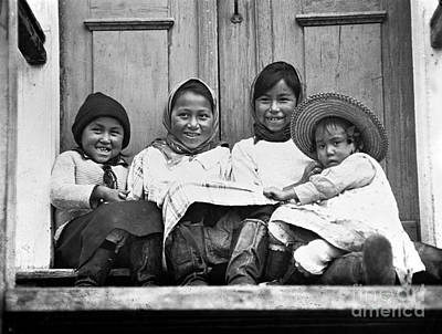 Photograph - Eskimo Children, 1925 by Granger