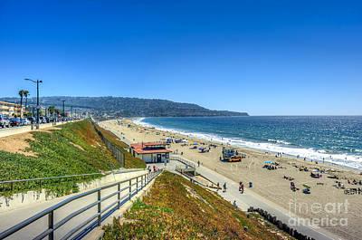 Photograph - Esplanade Walkway To Beach by David Zanzinger
