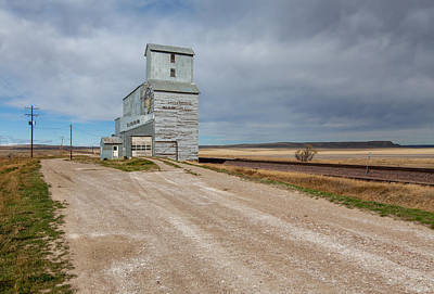 Ethridge Photograph - Ethridge Grain Elevator by Fran Riley