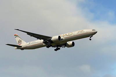 Airways Photograph - Etihad Airways Boeing 777-3fx by Nichola Denny
