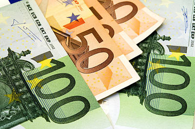 Banknotes Photograph - Euro Banknotes by Fabrizio Troiani