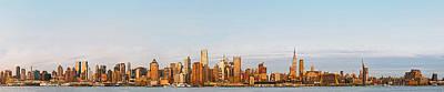 Metro Art Mixed Media - Evening Falls On New York by Garland Johnson