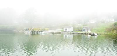 Photograph - Evening Fog At Round Pond by Gordon Ripley
