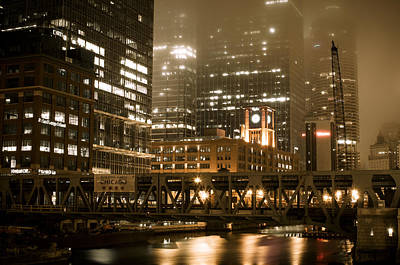 Photograph - Evening In The Windy City by Miguel Winterpacht