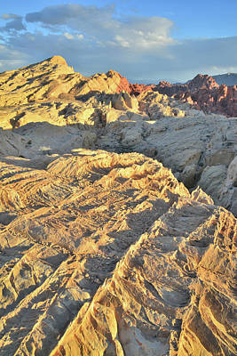 Photograph - Evening Light Highlights Sandstone In Valley Of Fire by Ray Mathis