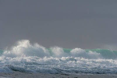 Photograph - Evening Light On A Wave by Robert Potts