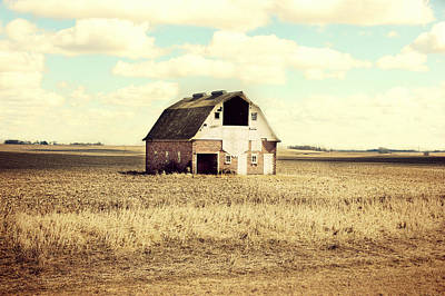 Country Cottage Photograph - Everly Brick Barn by Julie Hamilton