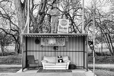 Photograph - Everton Bus Shelter by Linda Lees