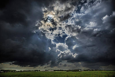 Natuur Photograph - Every Cloud Has A Silver Lining by Fotografie Jeronimo