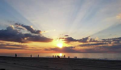 Photograph - Everybody Loves A Sunrise by Robert Banach