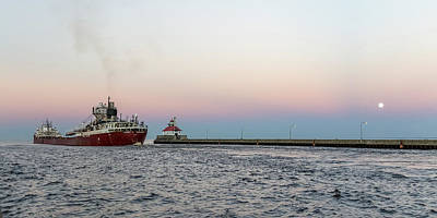 Photograph - Exiting Duluth Harbor by Penny Meyers