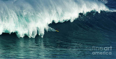 Photograph - Extreme Surfing Hawaii 10 by Bob Christopher