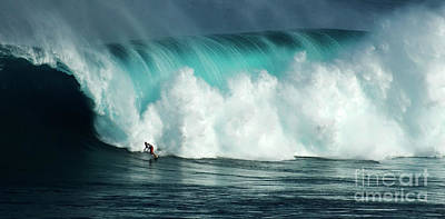 Photograph - Extreme Surfing Hawaii 11 by Bob Christopher