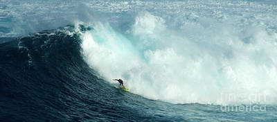 Photograph - Extreme Surfing Hawaii 13 by Bob Christopher