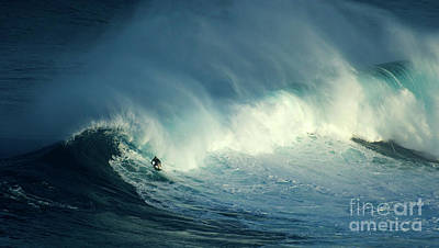 Photograph - Extreme Surfing Hawaii 17 by Bob Christopher