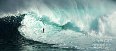 Photograph - Extreme Surfing Hawaii 7 by Bob Christopher